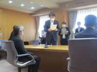 説明する県地域産業課羽川課長
